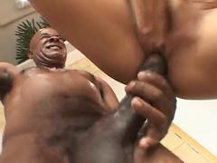 Brasileira safada dando a boceta para homem dotado